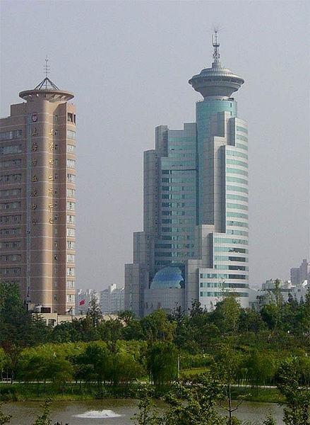 Shanghai skyscrapers (CC/wikimedia.org/CyeZ)