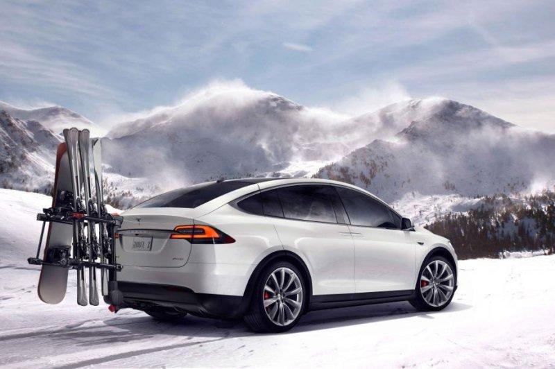 Tesla unveils 250-mile range, $130,000 Model X crossover - UPI com