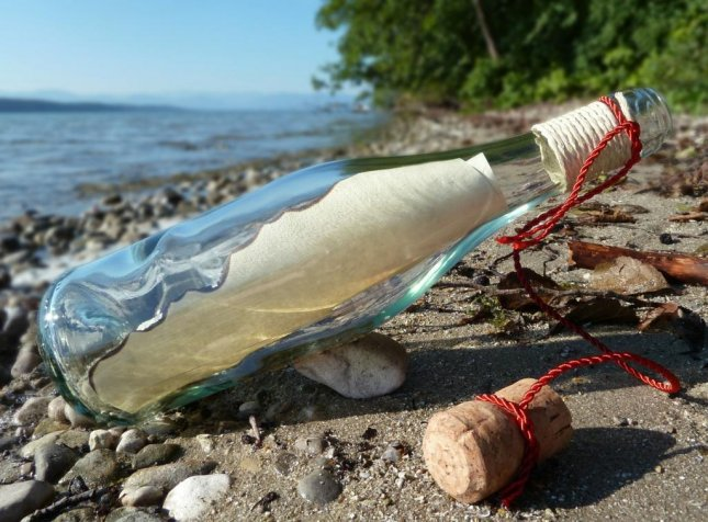 Man's romantic 'message in a bottle' stunt leads to littering ...
