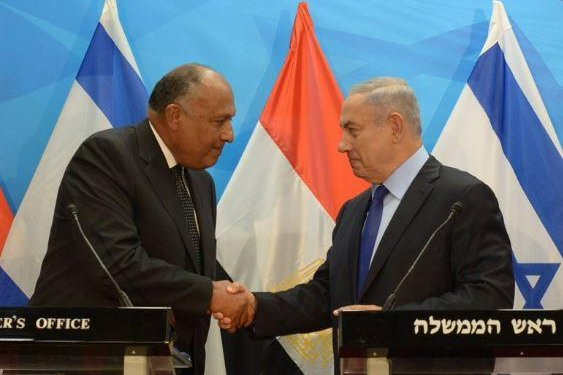 Israeli Prime Minister Benjamin Netanyahu (left) welcomes Egyptian Foreign Minister Sameh Shoukry for talks in Jerusalem on Sunday. Photo courtesy of Office of the Prime Minister of Israel/Twitter