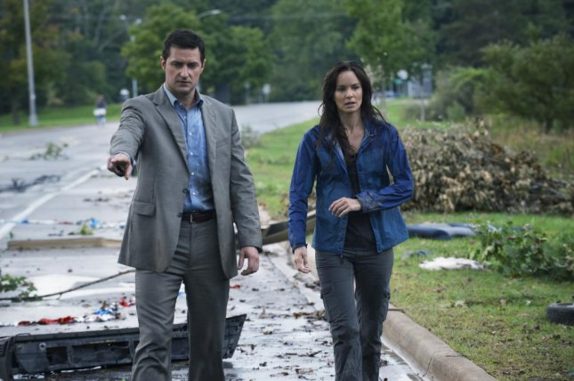 Image of Richard Armitage and Sarah Wayne Callies in Into the Storm, courtesy of New Line Cinema.