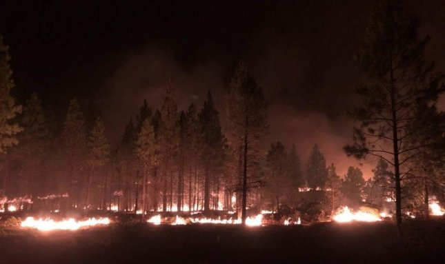 Bootleg Fire grows beyond 343,000 acres; hot weather hinders containment