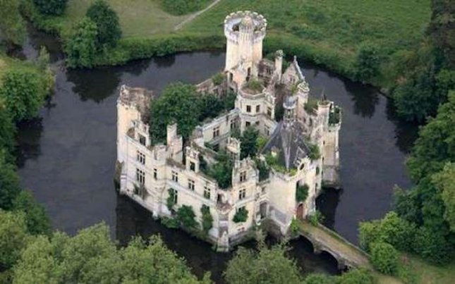 More than 8,000 people joined a crowdfunding campaign to adopt the 13th century Chateau de la Mothe-Chandeniers in France. Photo courtesy of Dartagnans