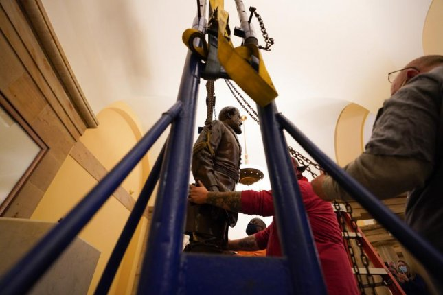 Lee Statue Removed From US Capitol
