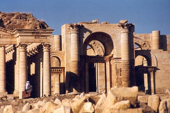 Ancient ruins at Hatra, Iraq (CC/ wikimedi.org/ Victrav)
