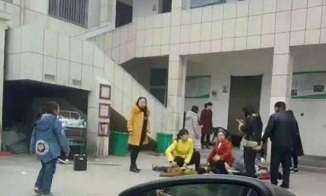 Students killed in China school toilet stampede