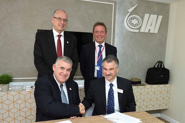 IAI and Honeywell Aerospace executives at signing of a memorandum of understanding. Photo courtesy of Israel Aircraft Industries