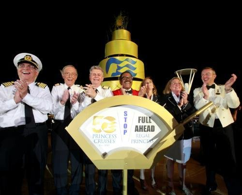 The original cast of TV's The Love Boat. (Princess Cruises.)