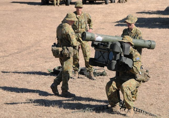 Australian troops use the RBS 70 air defense missile. Photo by Petty Officer 1st Class Thomas E. Coffman/U.S. Navy