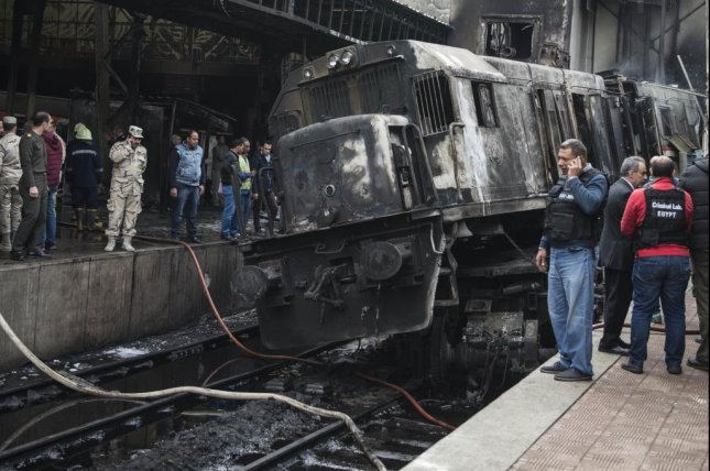 Conductor feud led to Egypt crash, 25 dead