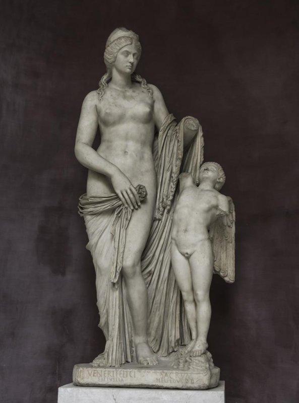 Nude Sculptures 61