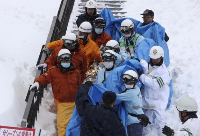 Japanese students killed in avalanche