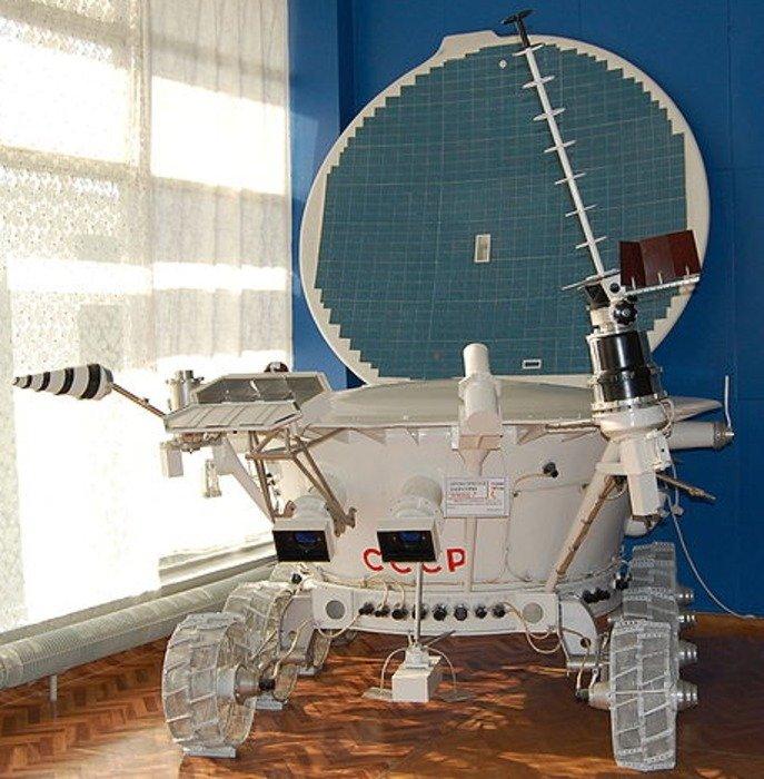 A 1:1 scale mockup of the Lunokhod. Credit: Hayk, Wikipedia, Creative Commons