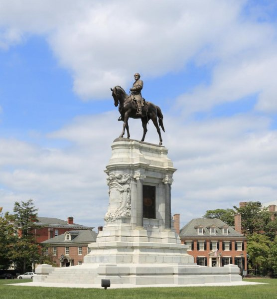 A judge temporary blocked Virginia Gov. Ralph Northam's plan to remove a Richmond monument to Confederate General Robert E. Lee. Photo by Martin Falbisoner/Wikimedia Commons
