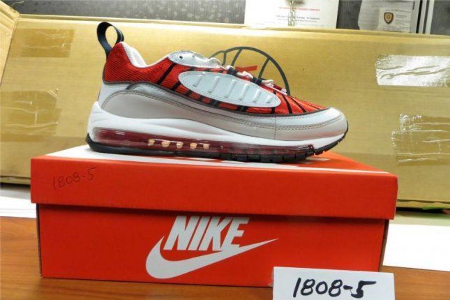 3032a89bb06b Look  Counterfeit Nike shoes seized from China shipment - UPI.com