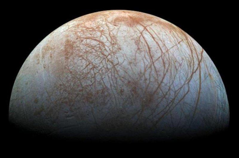 Europa may host sinking tectonic plates. Photo by NASA/JPL-Caltech/SETI Institute