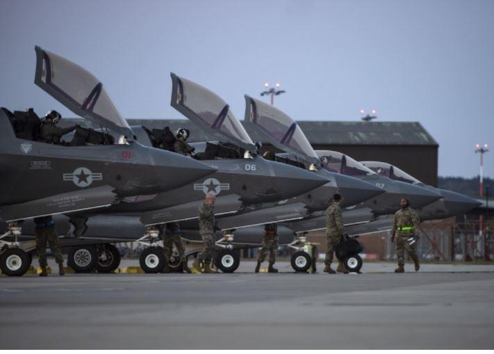 https://cdnph.upi.com/svc/sv/i/5851619638319/2021/1/16196391175356/Marines-F-35Bs-arrive-in-Britain-for-HMS-Queen-Elizabeth-deployment.jpg