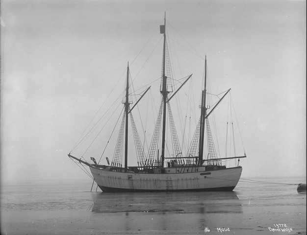 Polar ship Maud in 1918.
