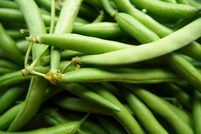 An Australian woman returned a gold ring she found in a package of green beans to a grocery store employee nearly 125 miles away. Photo by flockine/Pixabay.com