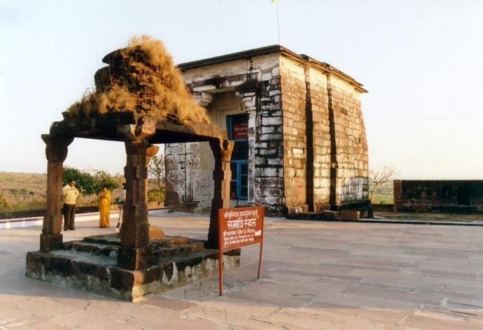 A Jain shrine in India. Photo by Piyush Jain/Wikimedia