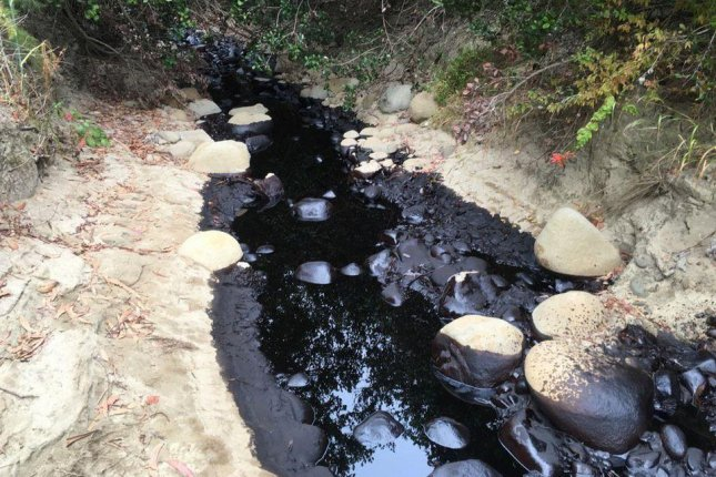 About 700 barrels of oil spilled in California. A review of federal records finds Crimson Pipeline, the company behind the spill, has a 10-year track record of releases. Photo courtesy of Ventura County Fire Capt. Mike Lindbery @VCFD_PIO