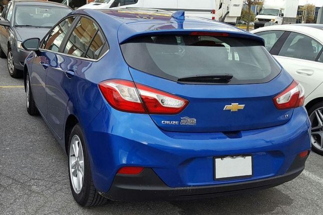 The Chevy Cruze hatchback, including the 2017 model (pictured) is now manufactured in Lordstown, Ohio, but General Motors plans to also produce the model in Ramos, Mexico. Photo by Wikimedia Commons/Bull-Doser
