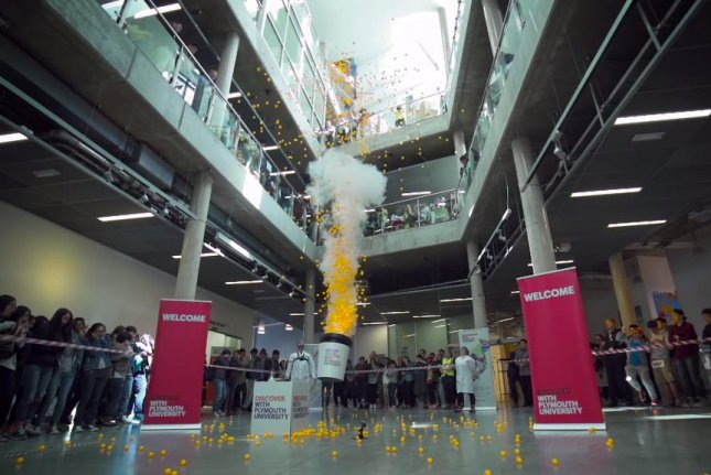 Roy Lowry's experiment launches hundreds of ping pong balls into the air. Plymouth University/YouTube video screenshot