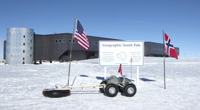 The Yeti robot at NSF's Amundsen-Scott South Pole Station in 2011. Credit: James Lever, U.S. Army's Cold Regions Research and Engineering Laboratory
