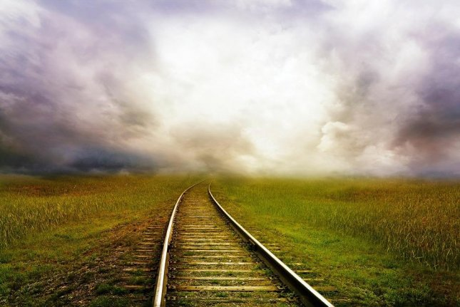 Greater railway use would lead to energy savings, lower emissions and greater safety. Photo courtesy of Larisa-K/Pixabay
