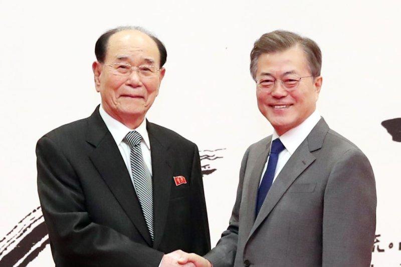 Kim Jong Un asks S.Korean leader for meeting
