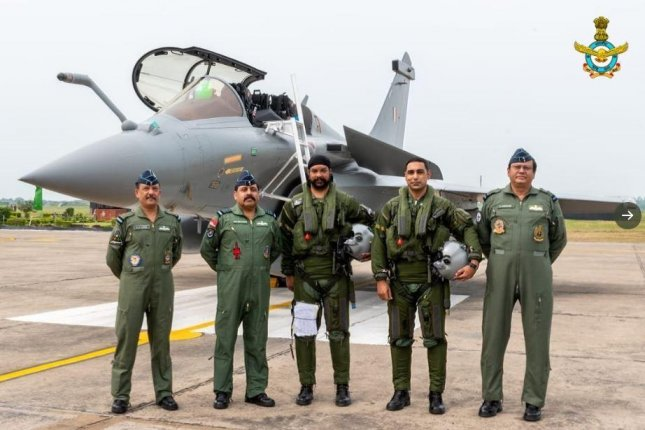 The first five of 36 Rafale fighter planes, made by the French company Dassault, arrived in India on Wednesday. Photo courtesy of Indian Air Force/Twitter