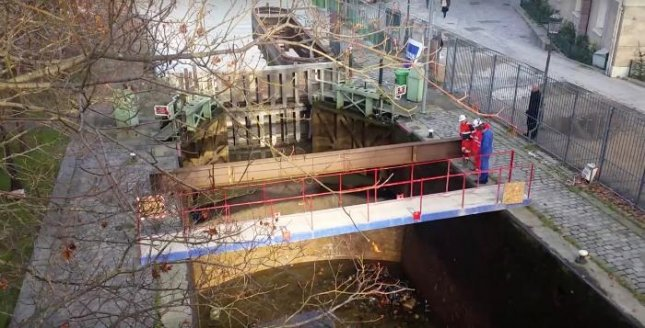 Debris including bicycles, shopping carts and a handgun were found at the bottom of France's Canal Saint-Martin as it was drained for the first time in 15 years. Photo By The Local Europe/YouTube