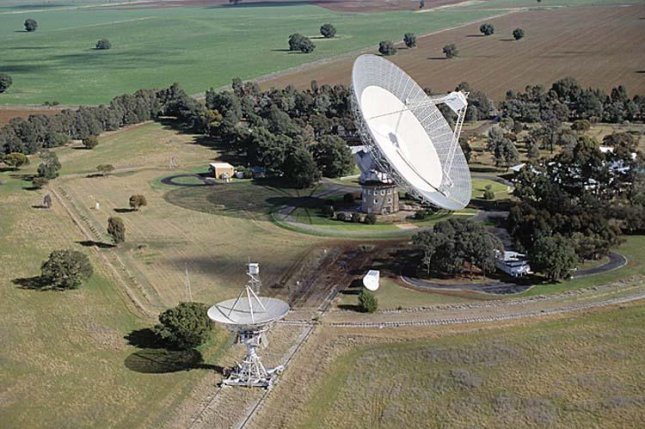 Astronomers say the forthcoming lawn-mowing robot, from Roomba-maker iRobot, could interfere with their radio telescopes. Photo by John Sarkissian/CSIRO Parkes Observatory