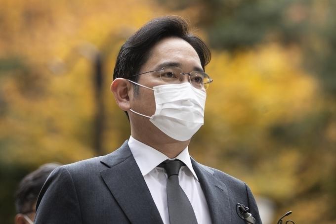 Samsung Electronics Vice Chairman Lee Jae-yong enters a Seoul court in November. File Photo by Jeong Byeong-hyuk/UPI News Korea