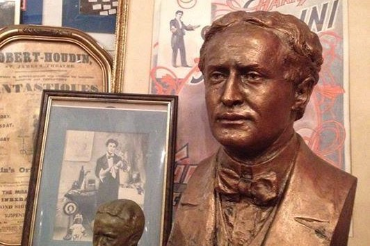 The Houdini Museum in Scranton, Pennsylvania, is teaming up with the American Society of Magicians to refurbish and maintain the Queens grave site of legendary magician Harry Houdini. (Houdini Museum/Facebook)