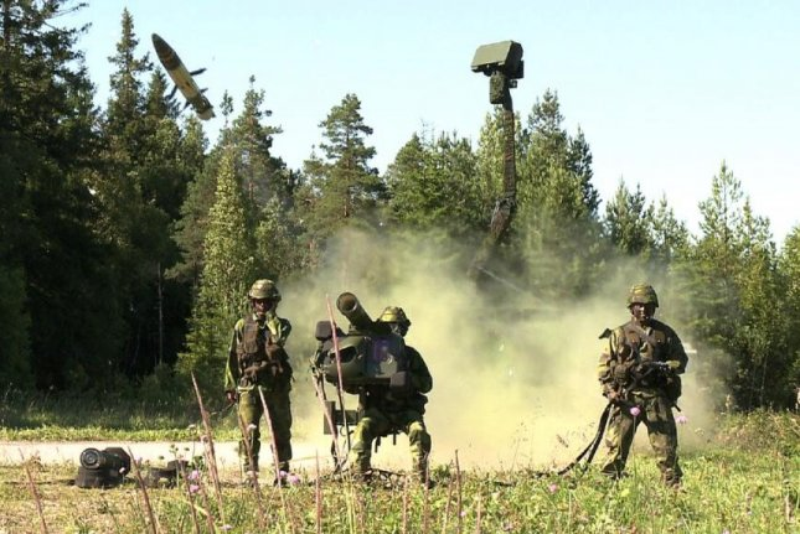 Soldiers using Saab's very short range air defense system. Photo courtesy Saab