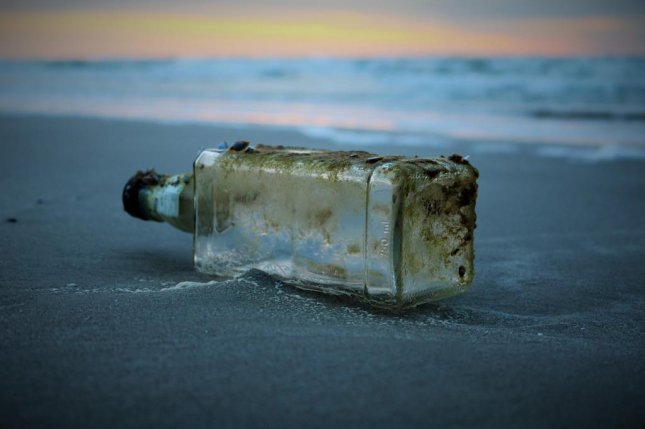 Abbie Graham, 9, was visiting Hawaiian Paradise Park with her family when she discovered a message in a bottle that had been launched by a Japanese high school club 37 years earlier. Photo by8249023/Pixabay.com
