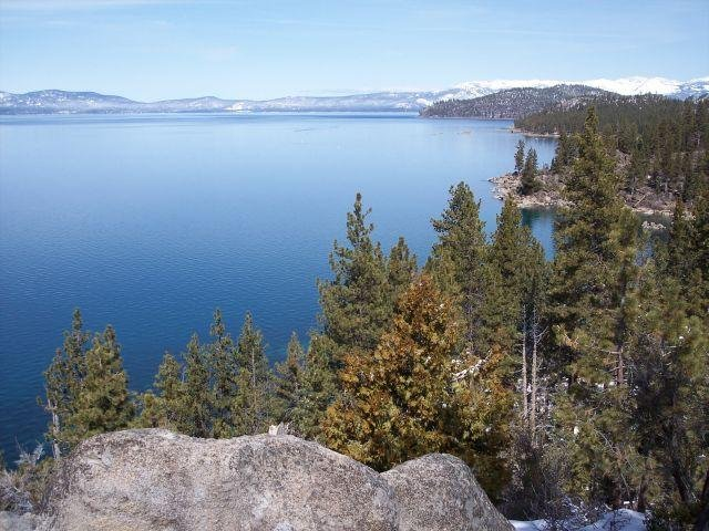 View of Lake Tahoe as seen from its east shore in Nevada (CC/Sascha Brück)