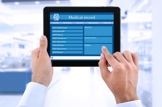 Although most medical students use electronic health records to follow patient outcomes as a means of acquiring diagnostic instincts, some also look out of curiosity, which researchers say suggests ethical concerns about the practice need to be addressed. Photo by Africa Studio/Shutterstock