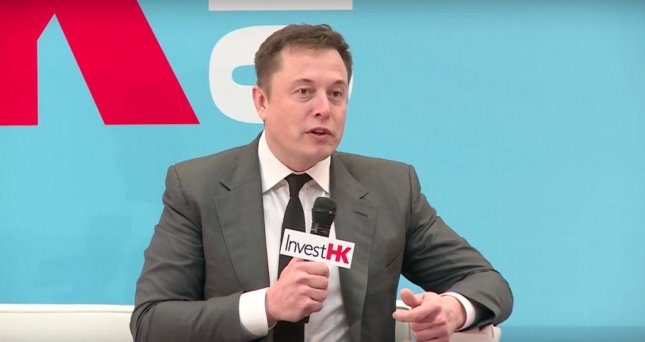 Elon Musk said he plans unveil details of a space craft that will allow SpaceX send a human to Mars by 2025 while speaking at the StartmeupHK Festival in Hong Kong.