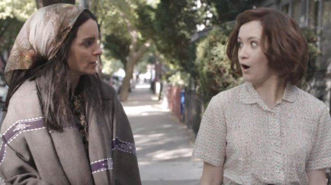 Tina Fey spoofs 'Girls' for 'SNL' premiere [VIDEO]