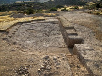 The communal building in Klimonas partially excavated. Credit: J.-D. Vigne, CNRS-MNHN.