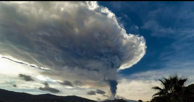 Mount Etna in Italy erupted last week and the ensuing cloud of ash was recorded in time-lapse footage. Newsflare video screenshot