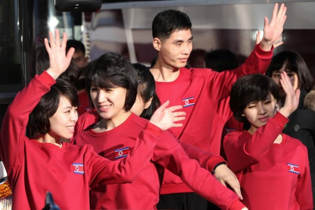Members of North Korea's Samjiyon Orchestra arrive at Gangneung Art Center in the South on Wednesday. Photo by Yonhap