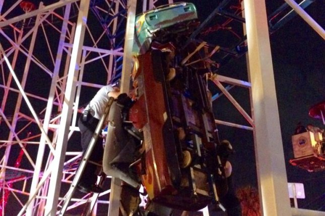 Roller-coaster derails in Florida, 2 injured after falling 10 metres