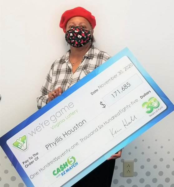 Phyllis Houston of Yorktown, Va., said some non-functioning Christmas lights sent her on the path that led to her winning a $171,685 lottery jackpot. Photo courtesy of the Virginia Lottery