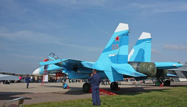 An Su-27 SM fighter plane at a 2009 Moscow air show (CC/ wikimedia.org/ Doomych)
