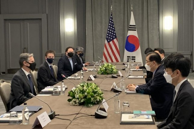 U.S. Secretary of State Antony Blinken called for North Korea to engage diplomatically as he attended a G7 meeting being held in London this week. On Monday, he met with South Korean counterpartChung Eui-yong (second from right) to discuss regional security issues. Photo by Yonhap