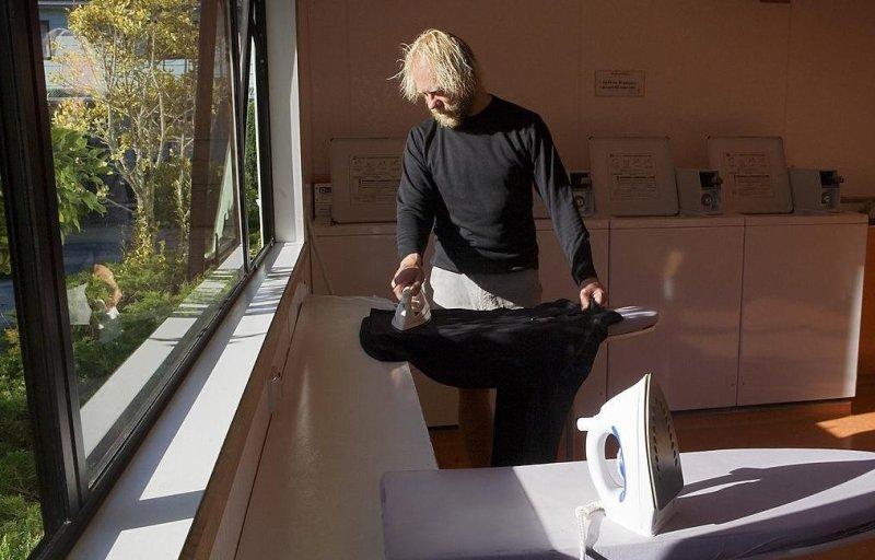 Ironing. (CC/Jorge Royan)