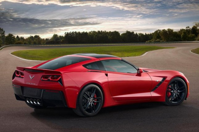New Corvette Stingray is gorgeous and powerful